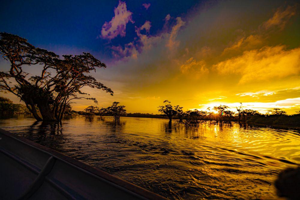 Photo in Travel #amazonriver #ecuadorianrainforest #ecuador #fromaboat #sunrise #sky_marvels #water #reflection #magic #travelphotography #earthofficial #riverscape #sunrisehunter