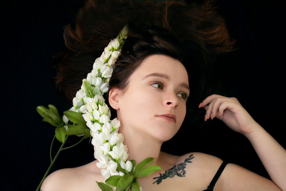 Photo in People #girl #flowers #beauty