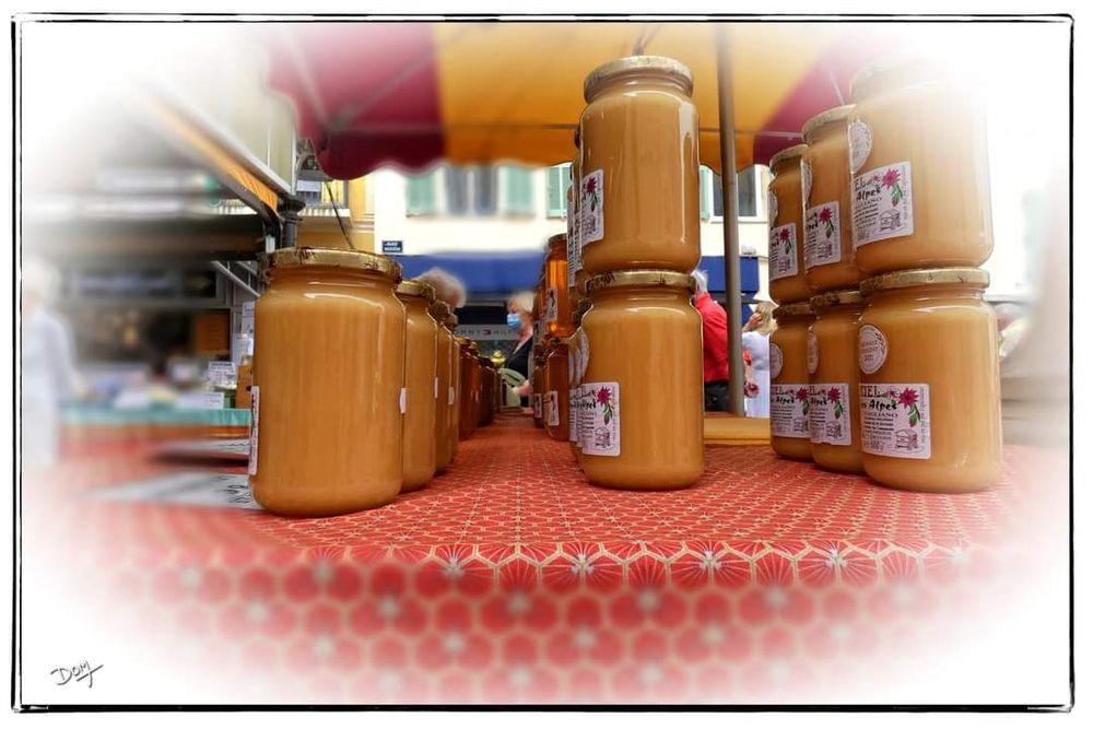 Photo in Random #street photo.  miel.  marché