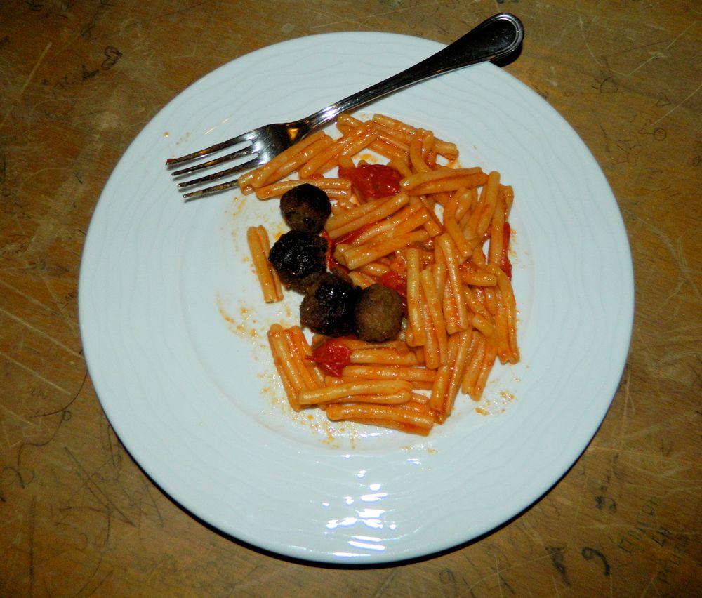 Photo in Food #food pic #arnauwitz ginder guitar #foto gastronomica #neapolitan food #pastasciutta #macaroni #maccheroni #polpetta #meatball