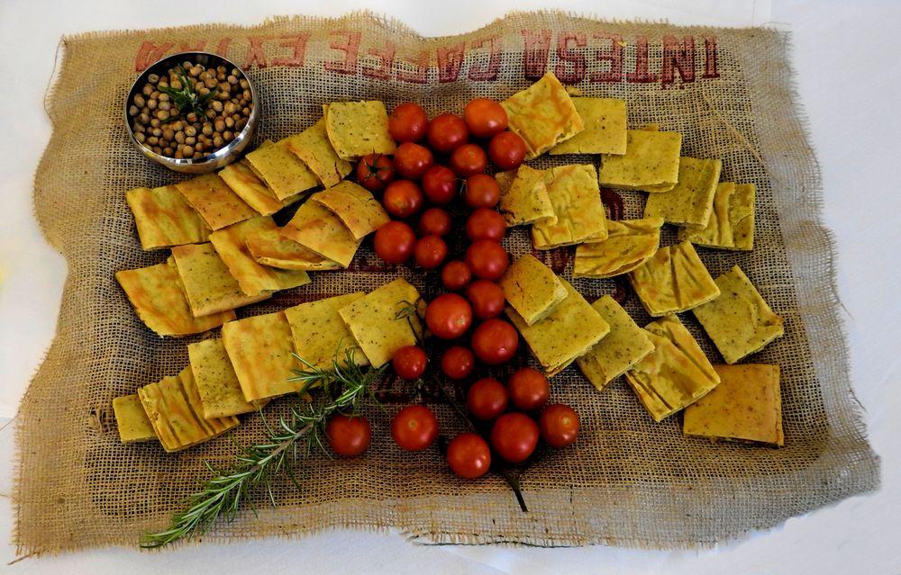Photo in Food #foto gastronomica #food pic #dried fruit #frutta secca #nocciola #hazelnut #pomodoro #tomato #biscotto #cracker #arnauwitz ginder guitar