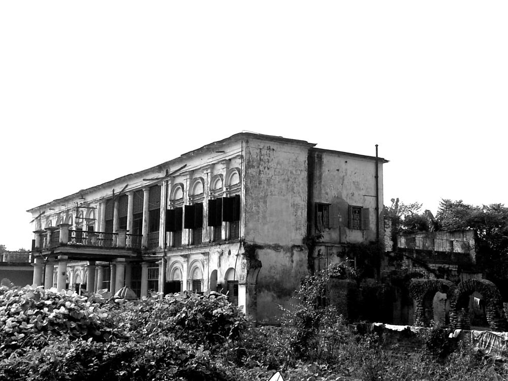 Photo in Architecture #black and white #old #bengal #india #ruins #palace