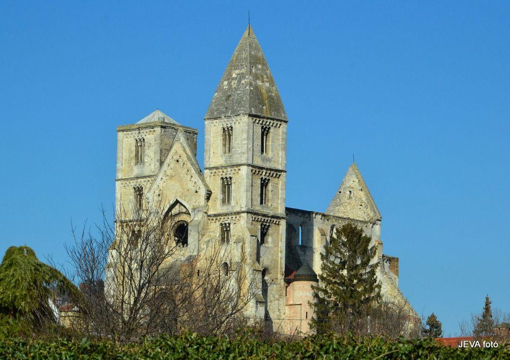 Photo in Random #church #ruin #cloister #xnikon #architecture