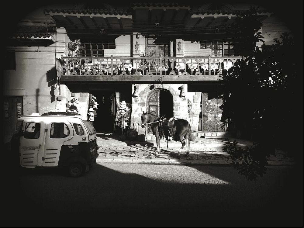 Photo in Street Photography #cusco #perú #pisac #horse #streetphotography #mobilephotography #jolaver #reverside #iphoneonly #iphoneography #photography #fotografia #bnw #blancoynegro #blackandwhite #cityscape #random #mototaxi