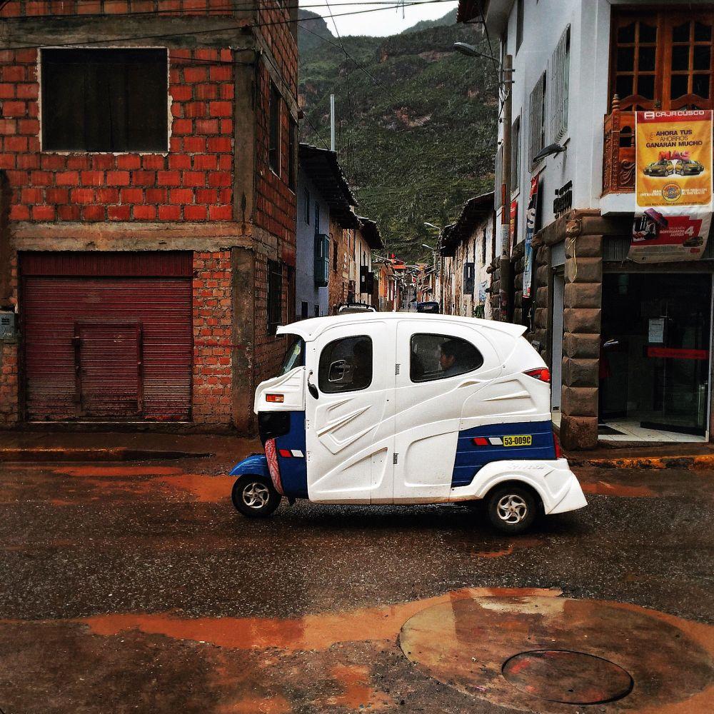 Photo in Street Photography #pisac #mototaxi #perú #cusco #streetphotography #mobilephotography #cityscape #moto #calles #photography #fotografos #iphoneography #fineart #art
