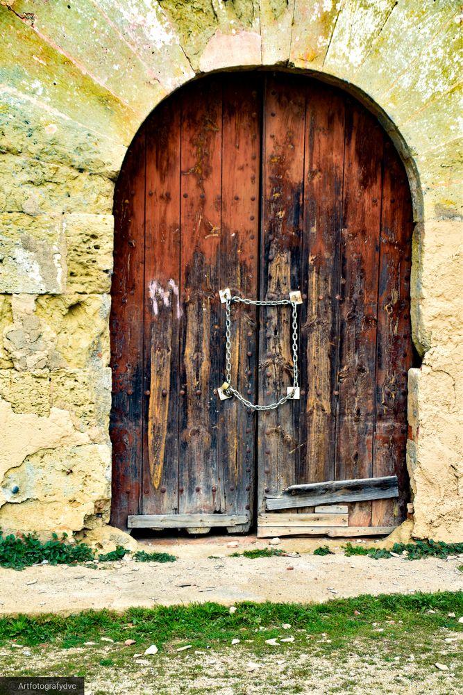 Photo in Rural #artfotografydvc #youpic #naturaleza #candados #puerta #photooftheday #photography #photographer
