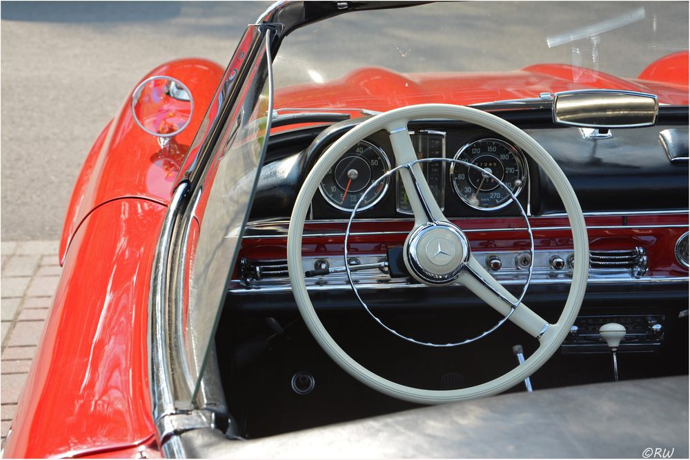 Photo in Vehicle #auto #oldtimer #sl 300 #red #mercedes benz #sl 300 cabrio #car