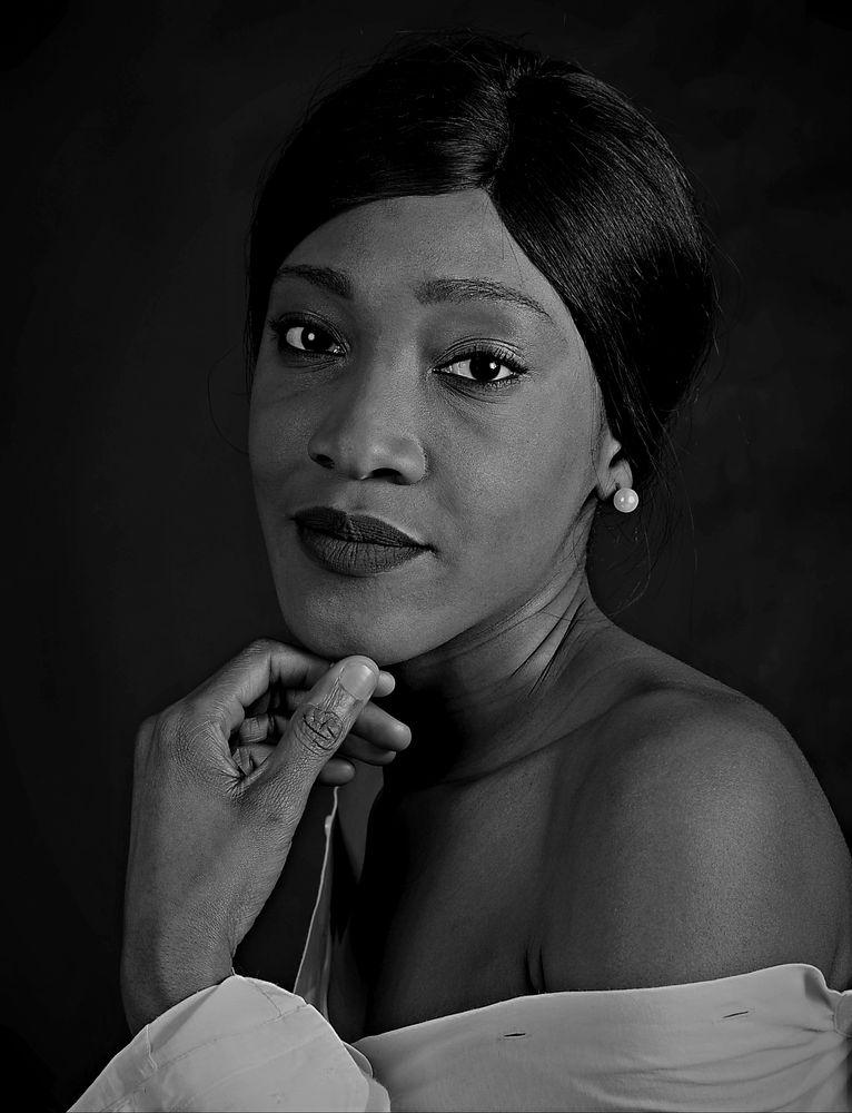 Photo in Black and White #model #portrait #bnwphotography #bnw #blackandwhite #whiteandblack #africanmodel #africanpeople #shootingphotostudio #shootingmodeleamateur