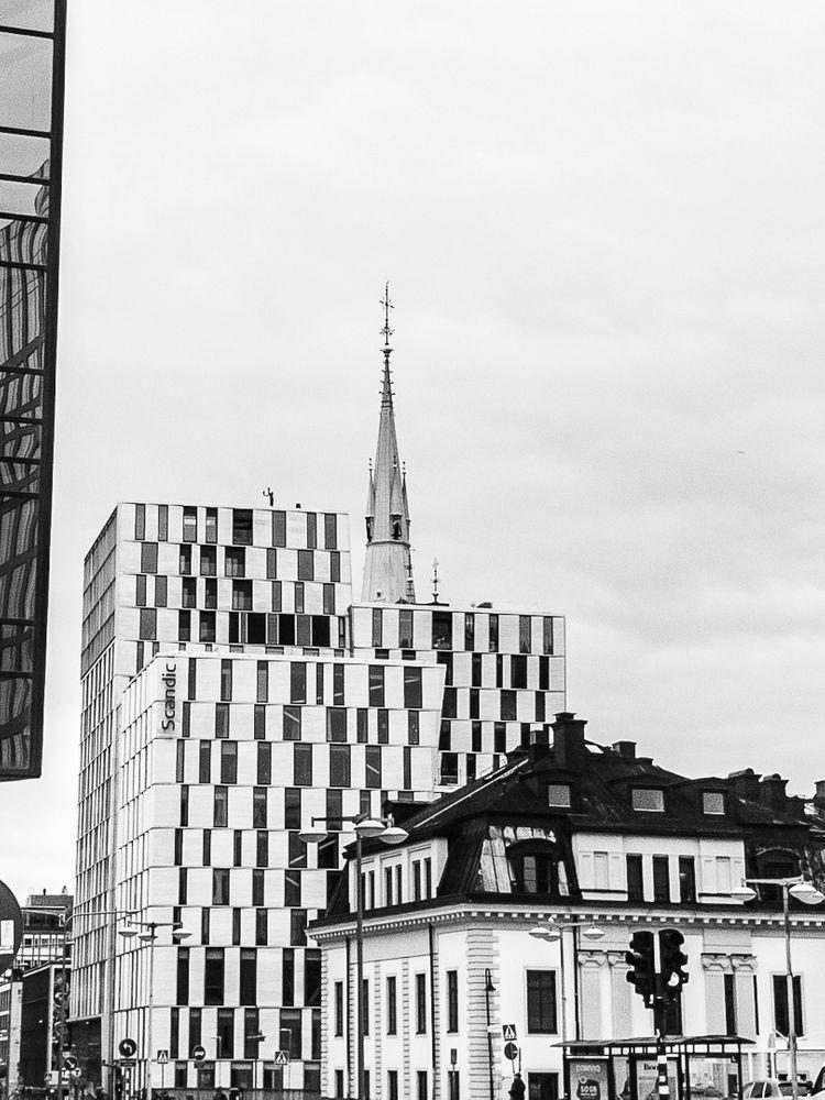 Photo in Cityscape #buildings #architecture #contrasts #blackandwhite #monochrome #city