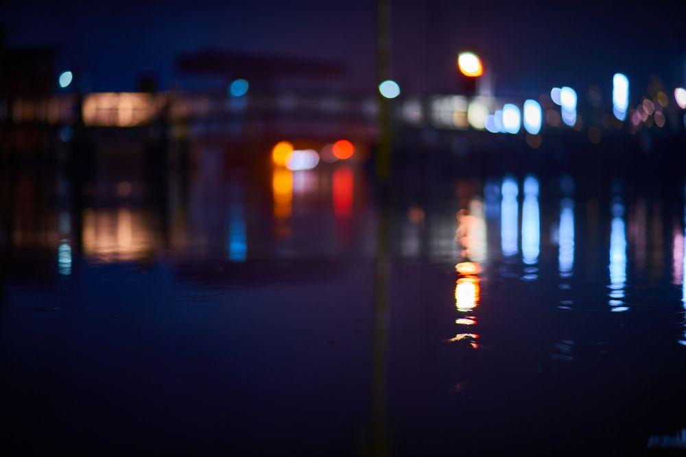 Photo in Cityscape #night #nightowl #neon lights #neon #cyberpunk #bladerunner #nightwalk #bokehlicious #bokehlicious