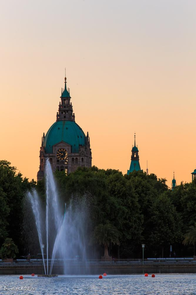 Photo in Street Photography #rathaus hannover #hannover #rathaus #sunset #germany