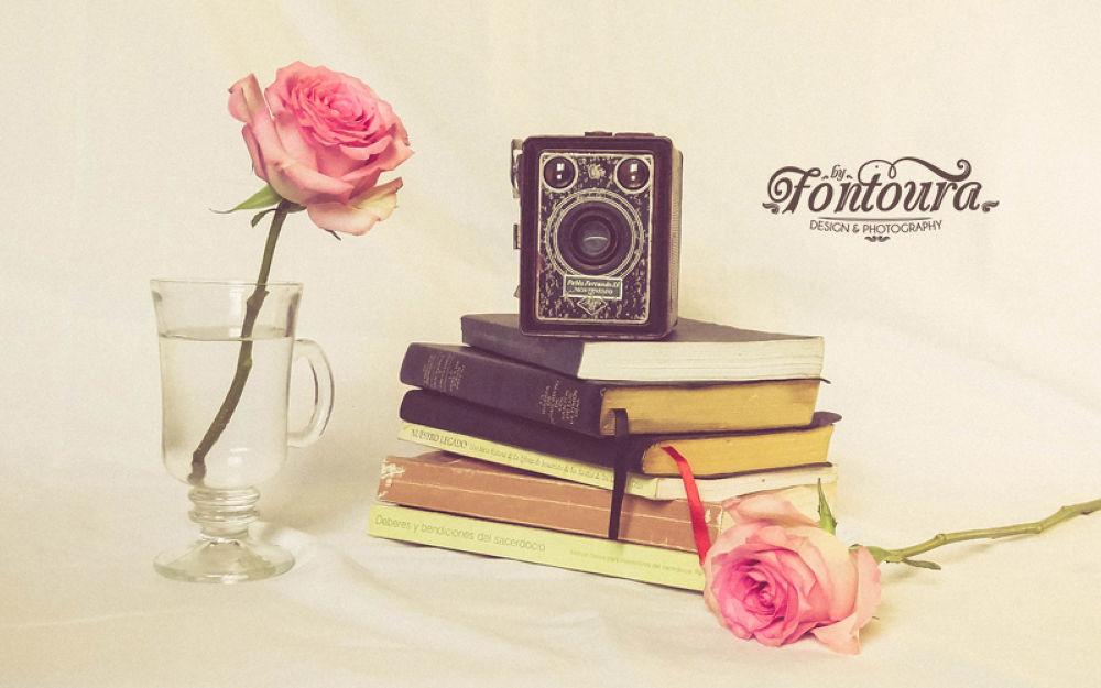 Photo in Random #old camara #rosas #roses #flowers #vintage #retro #camara #antigua