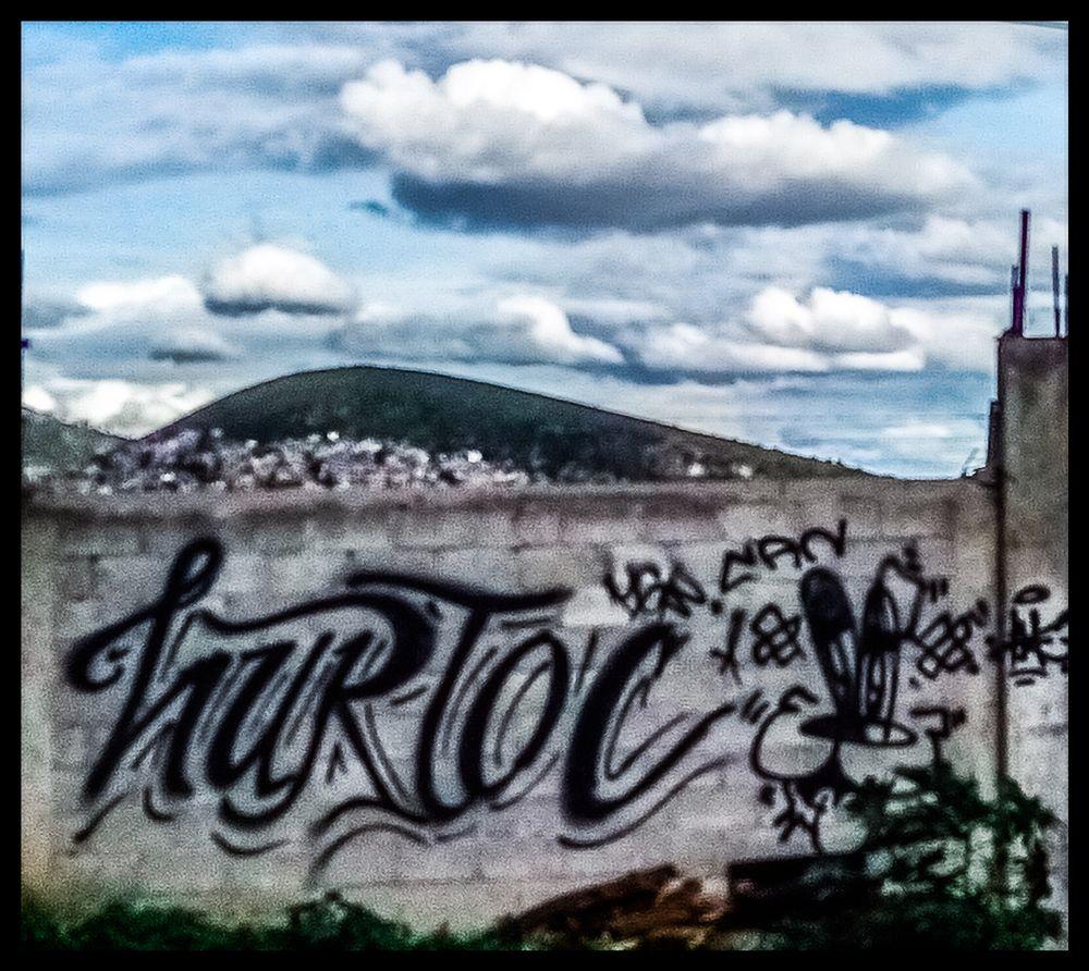 Photo in Random #graffiti #graffitiart #culturaurbana #arteurbano #skyphotography #skycolors #skyaddict #cloudsphotography #clouds #cielourbano #cielonuvoloso