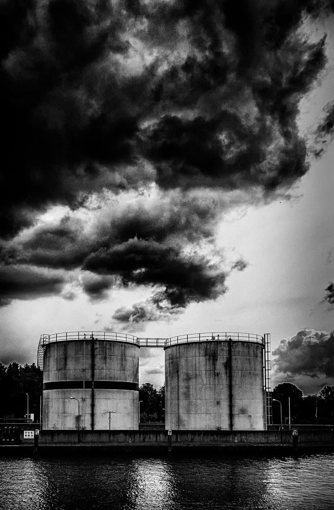 Photo in Black and White #smoke #clouds #black #white #b/w