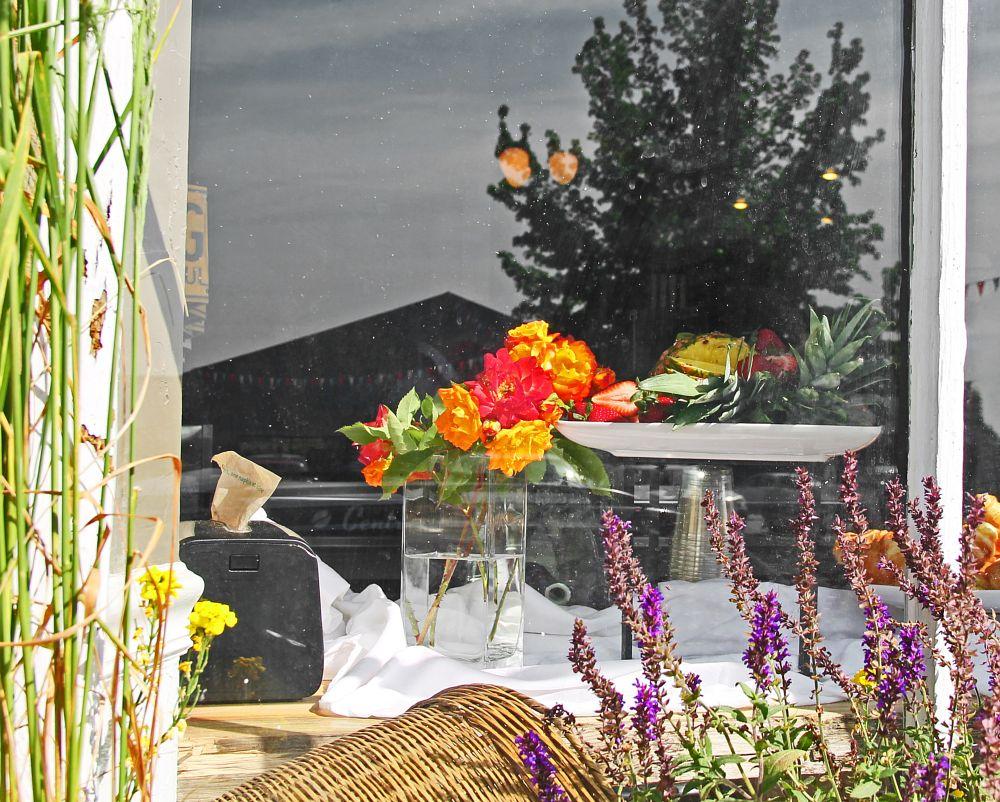 Photo in Random #window #cafe #store #restaurant #food #oregon #southern oregon