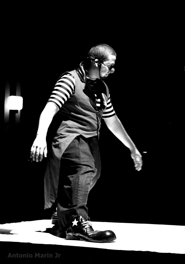 Photo in Black and White #palhaço #homem #p&b #b&w #preto e branco #black and white #monocromático #antonio marin jr #people