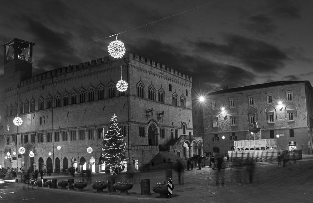 Photo in Cityscape #perugia #black and white #chistmas
