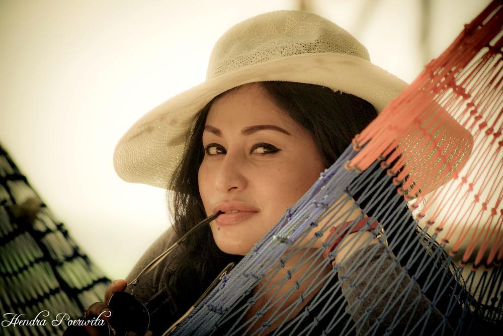 Photo in Portrait #portrait #girl #hat #beach #woman #beauty