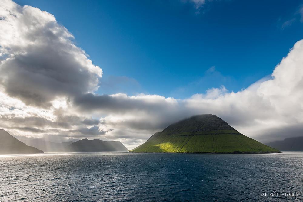 Photo in Landscape #feroe island #hill #sea