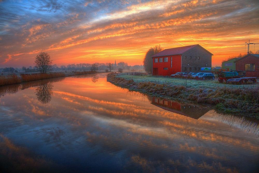 Photo in HDRI #hdr #sunrise #sonnenaufgang #clouds #wolken #river #reflection #fluss #spiegelung #water #wasser #house #haus #dannenberg #lower saxony #germany #lüchow - dannenberg #niedersachsen #wendland #deutschland #maik richter #metal maik #canon #eos 70d #canon eos 70d #efs 18-55 #canon efs 18-55mm #tonemapping