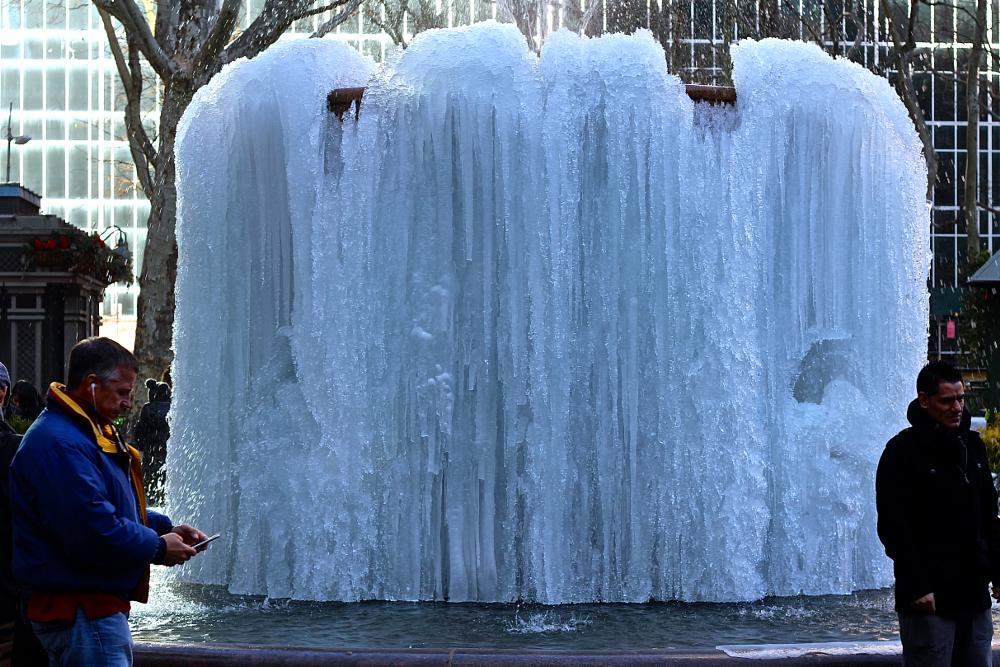 Photo in Street Photography #frozen #fountain #bryant #bryantpark #nyc