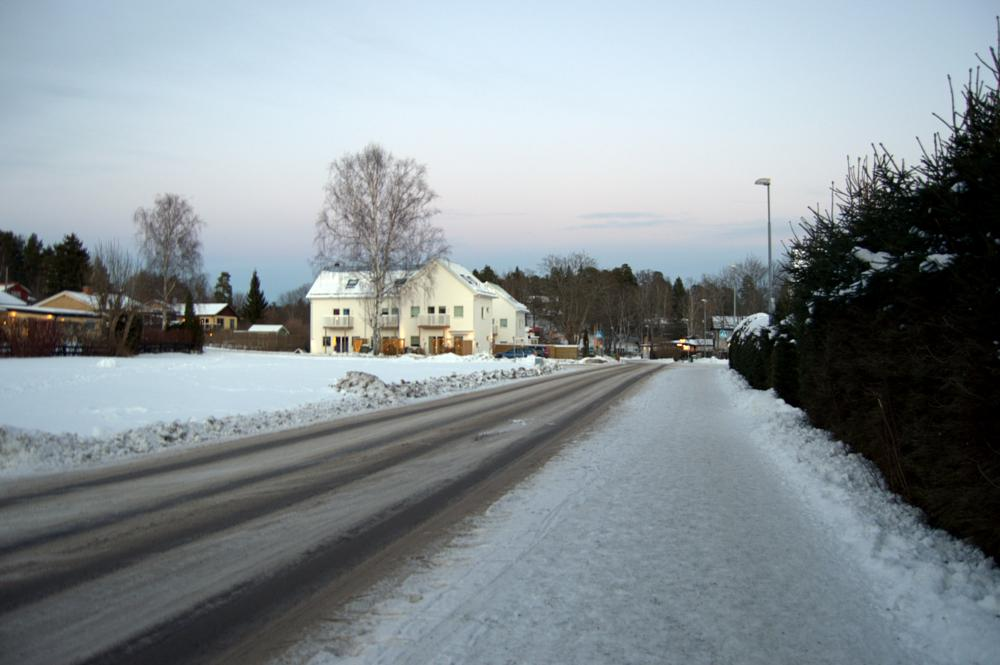 Photo in Landscape #low light #snow #road #tree #house #winter #nikon #sky #sunset