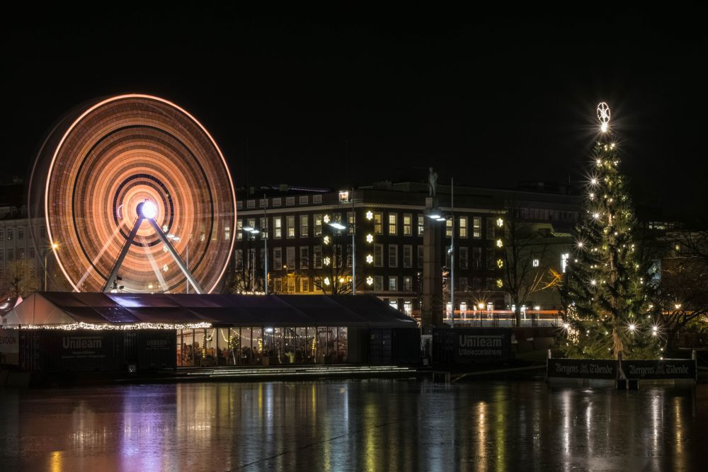 Photo in Cityscape #ferris wheel #ice #lake #city #night #long exposure #lights #tree #xmas market #pariserhjul #bergen #norway #4j