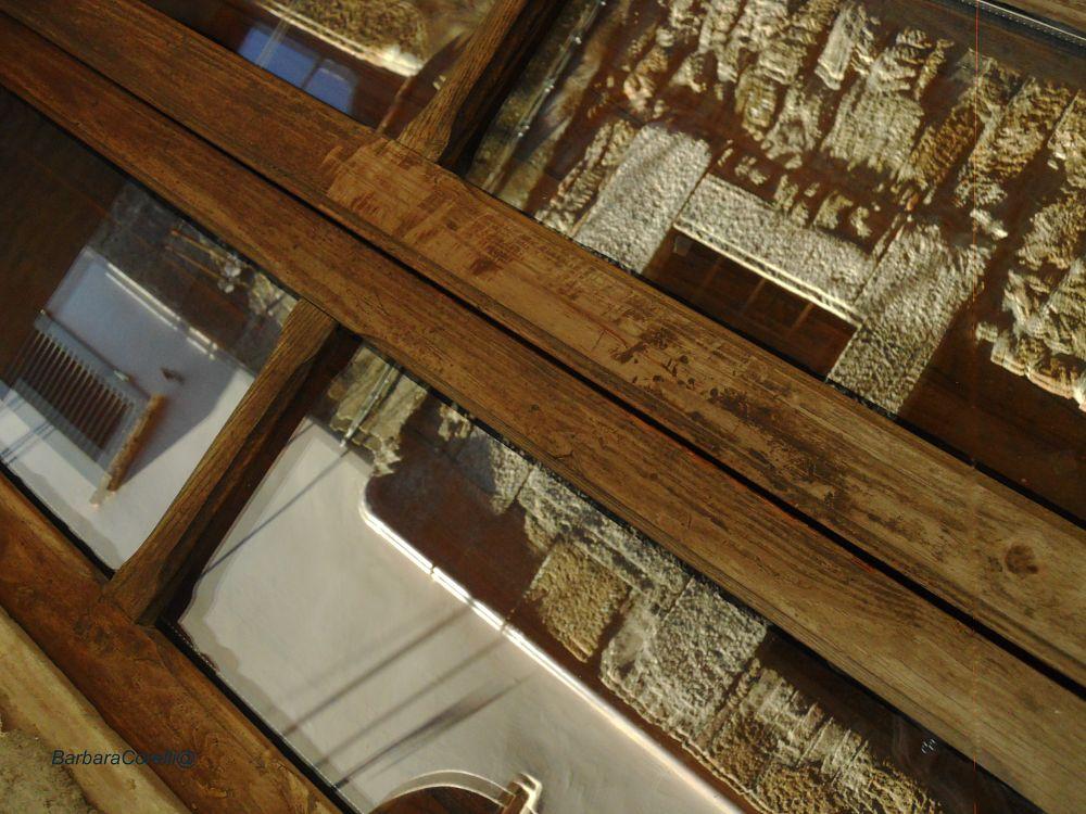 Photo in Landscape #finestre #muro #vetro #riflesso
