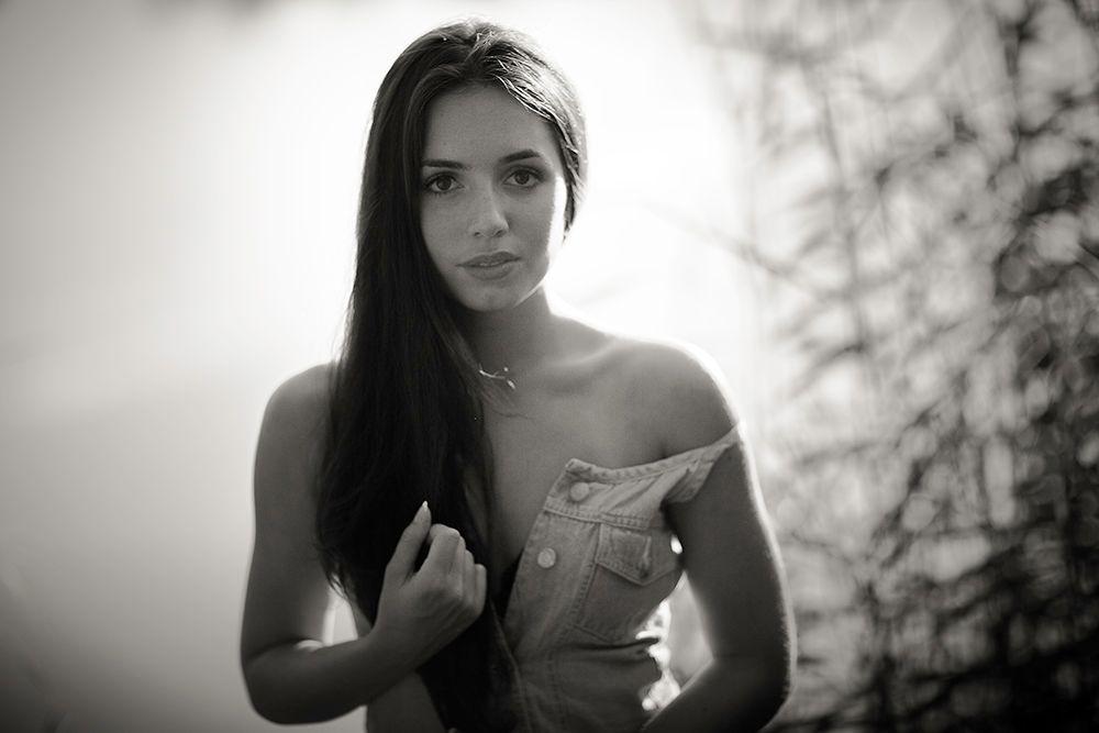 Photo in Portrait #woman #portrait #sensual #outdoor #beautiful #bnw #black&white