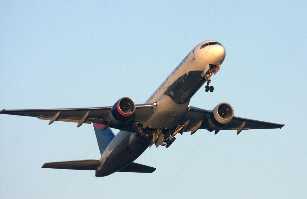Photo in Random #airplane #b757-200 #delta air lines