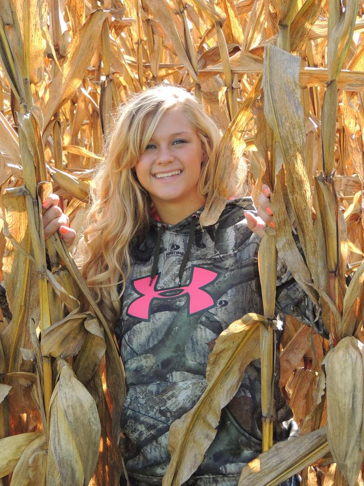 Photo in Random #farm #cornfield #beautiful #smile #under armor