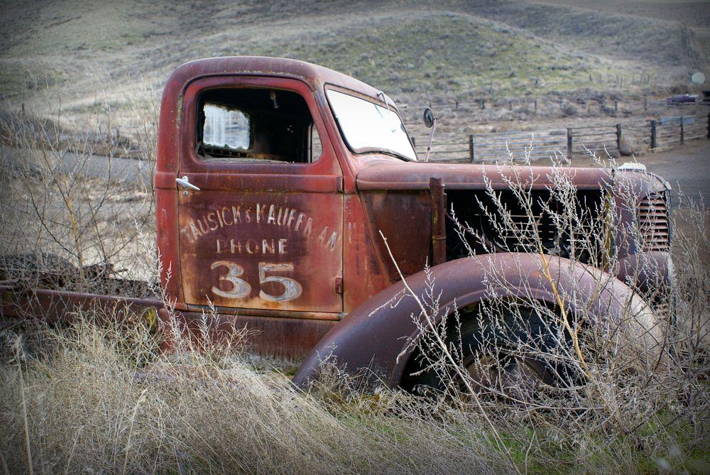 Photo in Vehicle #vintage #automobiles #trucks #landscape #nature #metal
