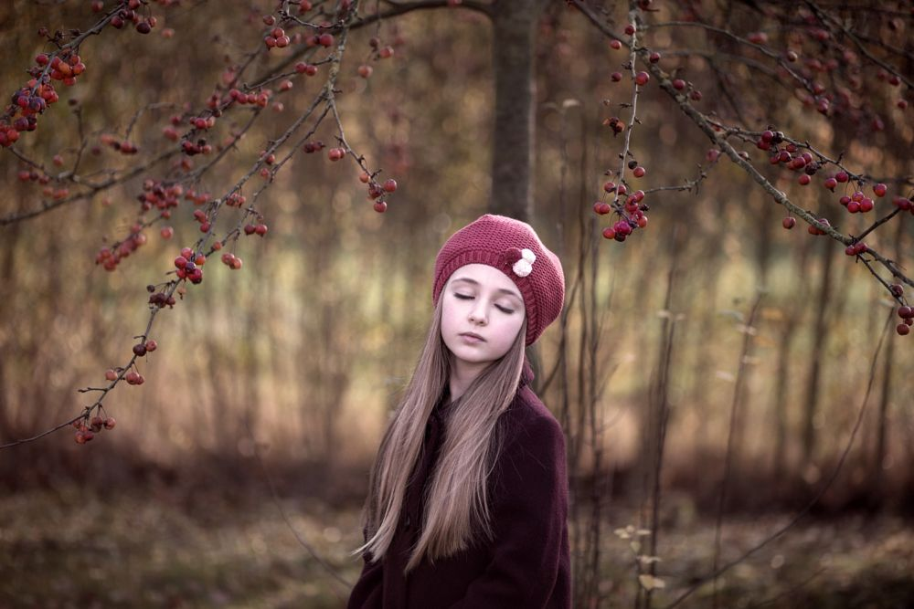 Photo in Portrait #child #apple #winter