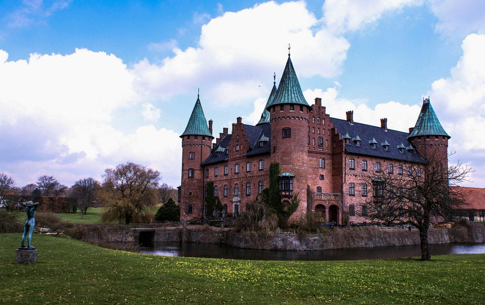 Photo in Random #tröllenäs castle #culture #statue #skåne