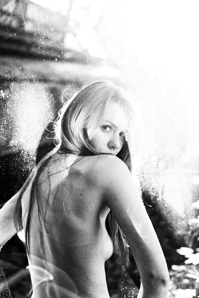 Photo in Black and White #nowina #portret #portrait #back #nude
