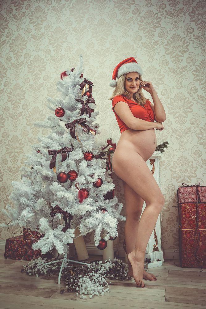 Photo in Nude #xmas #pregnant #sexysanta #maternity