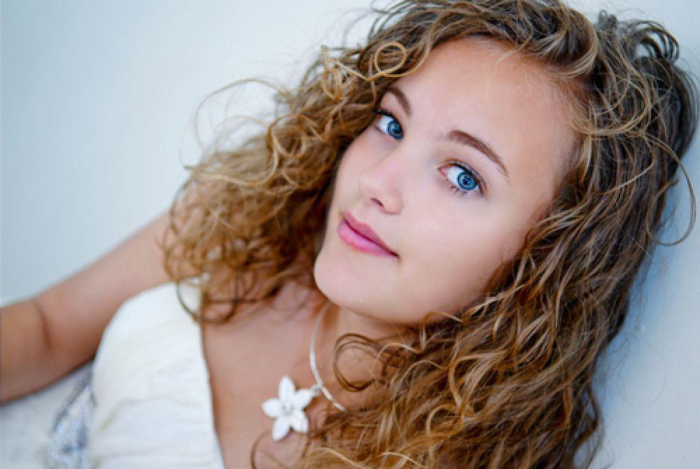 Photo in People #clarissa #feemale #singer #nikon #alan karl #hair #eyes #blue #dress