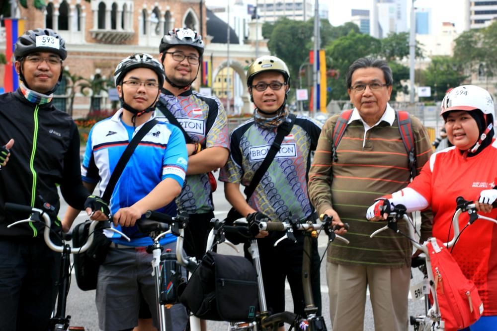 Photo in Sports #cycling #brompton #kl #malaysia #kuala lumpur
