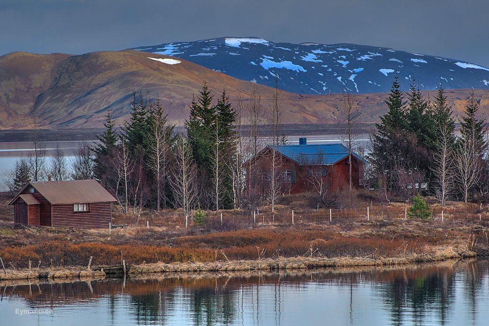 Photo in Landscape #iceland #summerhouse #park #lake #þingvelli #þingvallavatn #blue #orange #white #snow #sunlight #spring