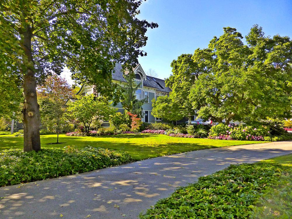 Photo in Architecture #burlington #ontario #canada #garden