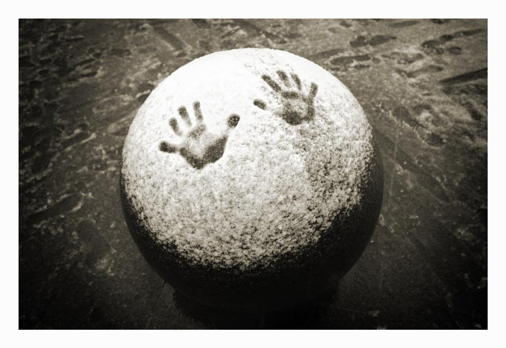 Photo in Black and White #handprint #snow #mono