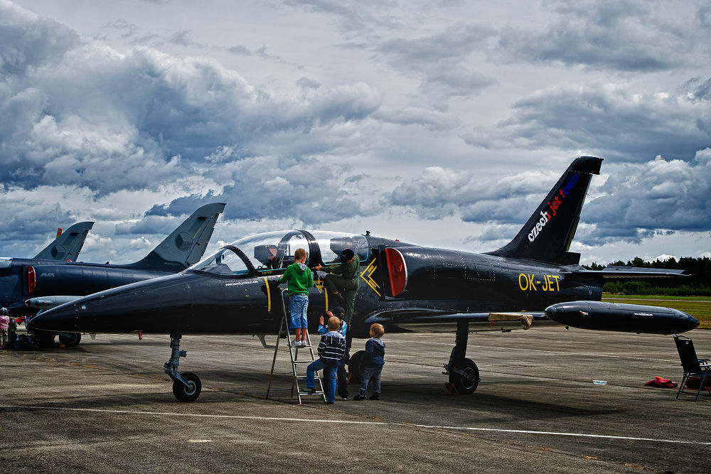 Photo in HDRI #flugzeug #plane #jet #airshow #flugschau #wolke #wolken #cloud #clouds #sky #himmel #ypa2013 #czech #tschechien #pilsen