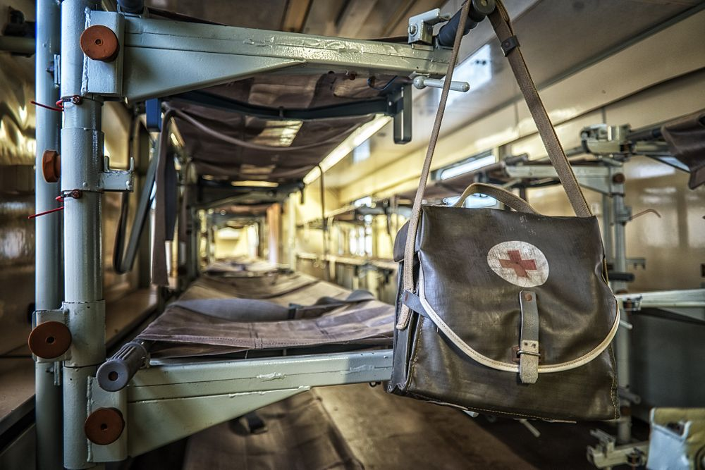 Photo in Urban #abandoned #ddr #train #medical #urbex #urban #exploration