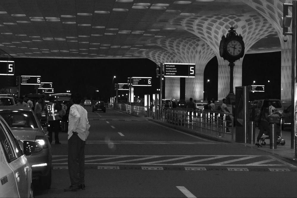 Photo in Street Photography #airport #india #mumbai #sreetphotography