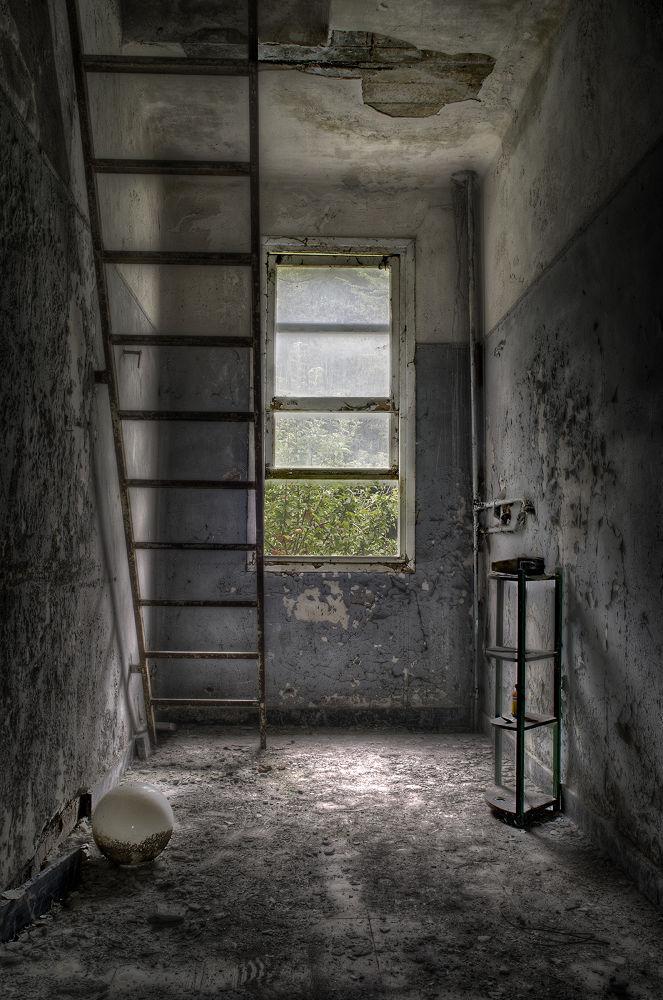 Photo in Random #urbex #urban #exploration #explored #dark #abandoned #stairs #window #decay #creepy