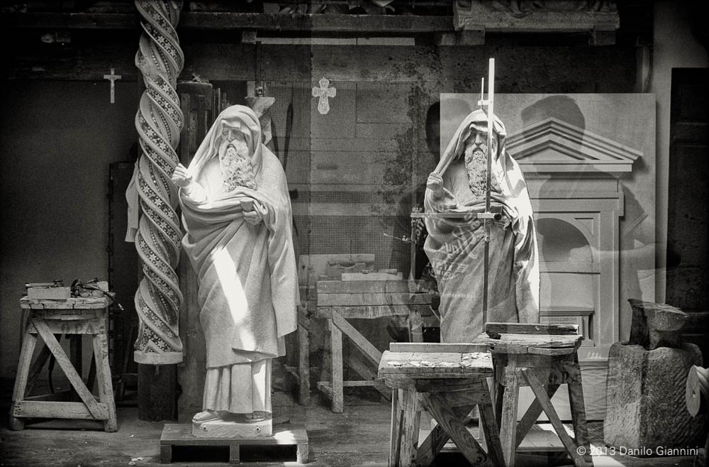 Photo in Street Photography #streetphotography #statue #italy #florence #blackandwhite #street #b/w