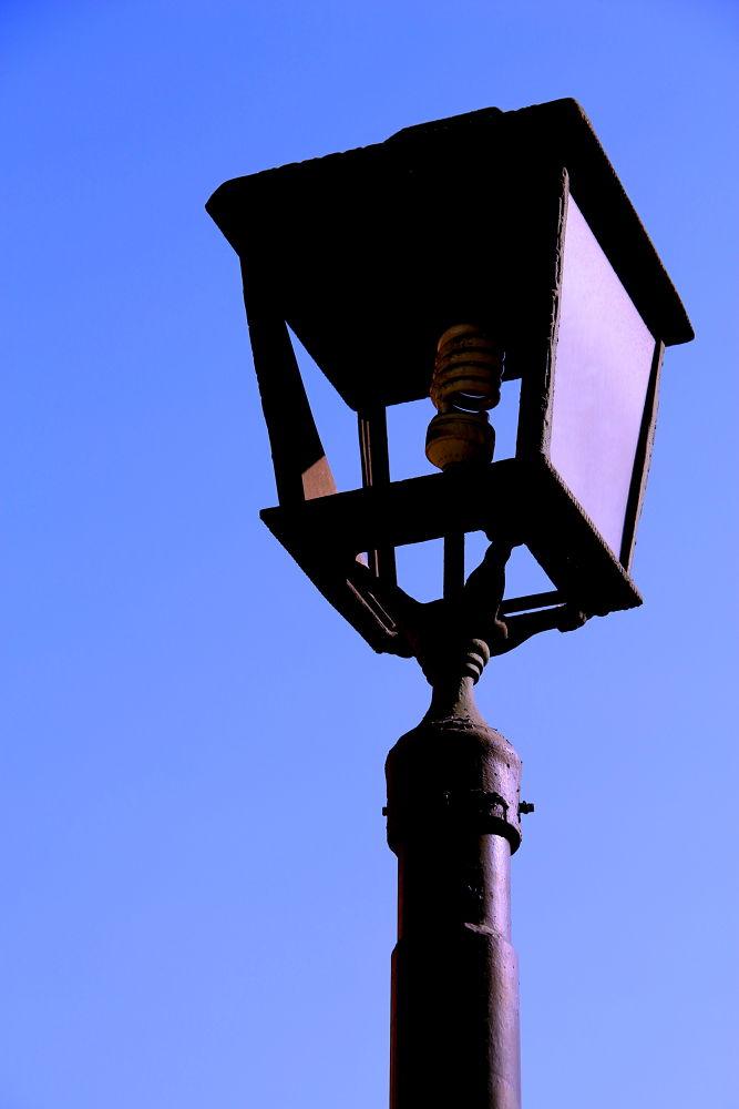 Photo in Cityscape #santiago #chile #cityscape #lamp posts