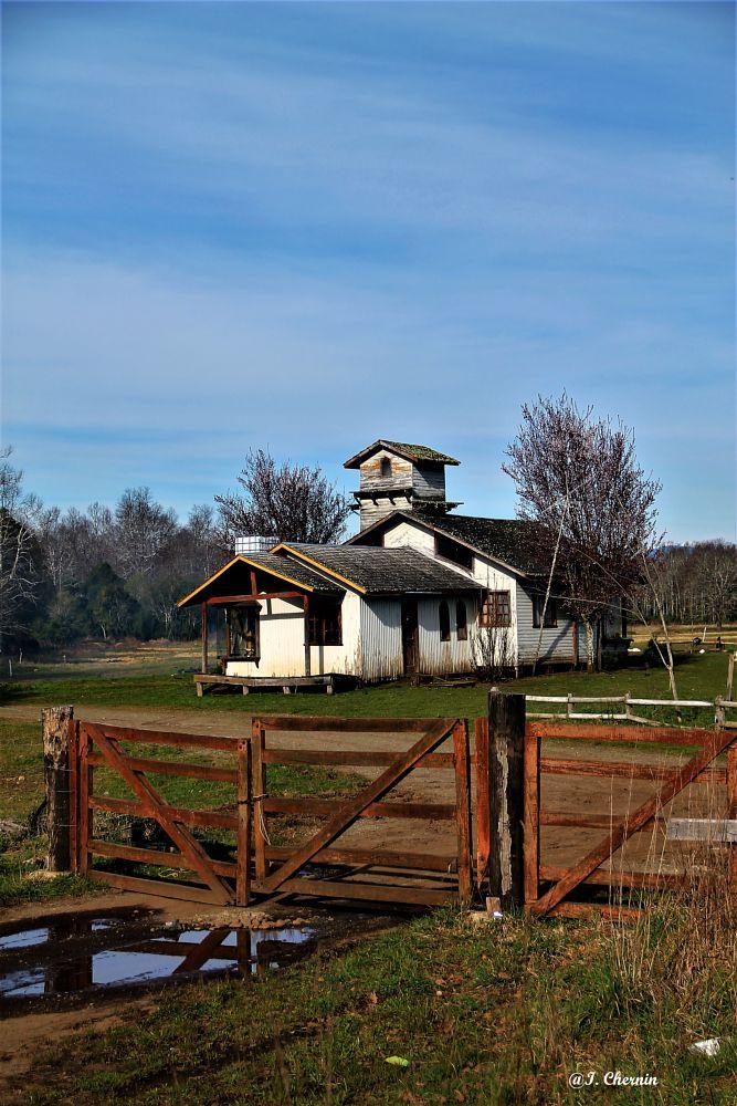 Photo in Rural #rural #chile #architecture #landscape