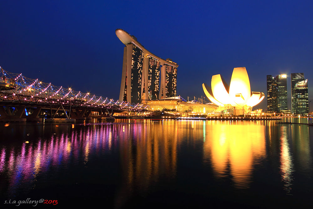 Photo in Landscape #nightshoot #reflection #singapore