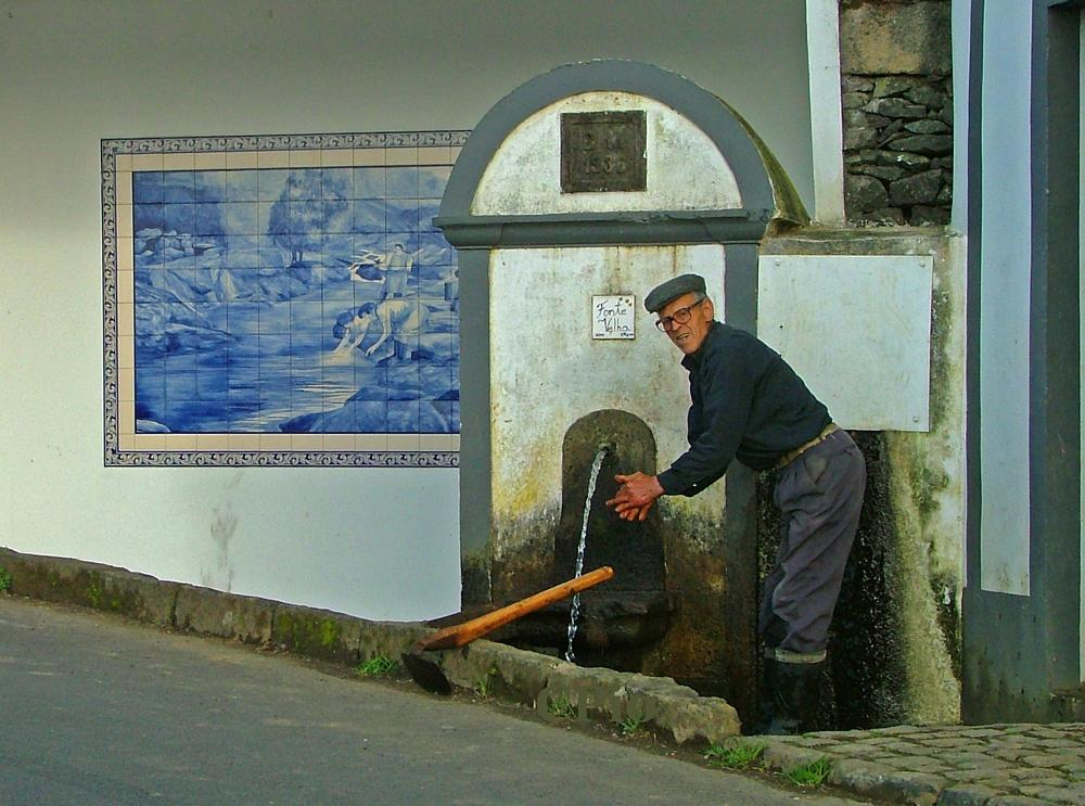 Photo in Street Photography #wash #hands #fountain #water #spring #maia #sao miguel #azores #cesarpedro #fonte #velha